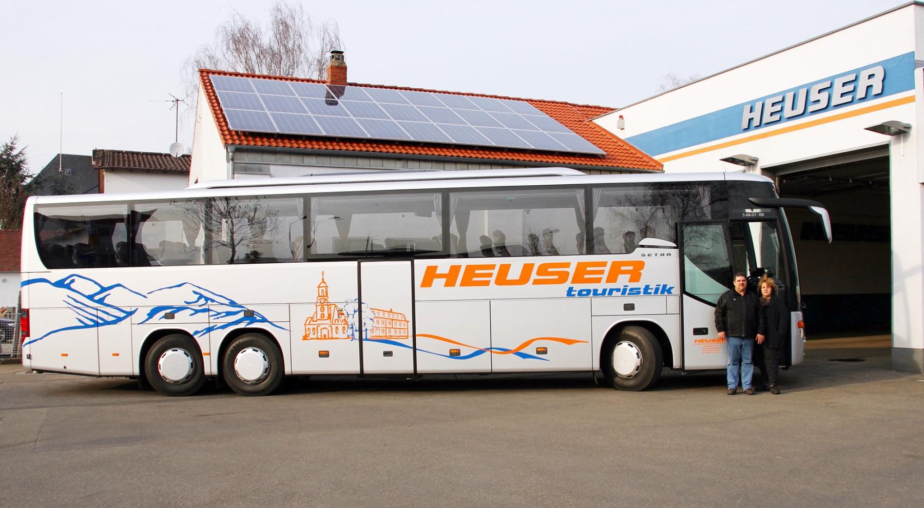 Bus mit Geschäftsführern